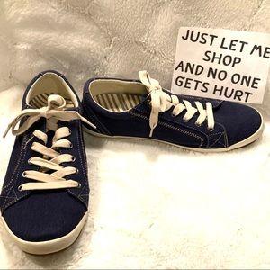 Taos Footwear Star Navy Sneakers